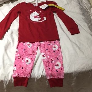 Red pink cat heart jammies 4t NWT have 2of same